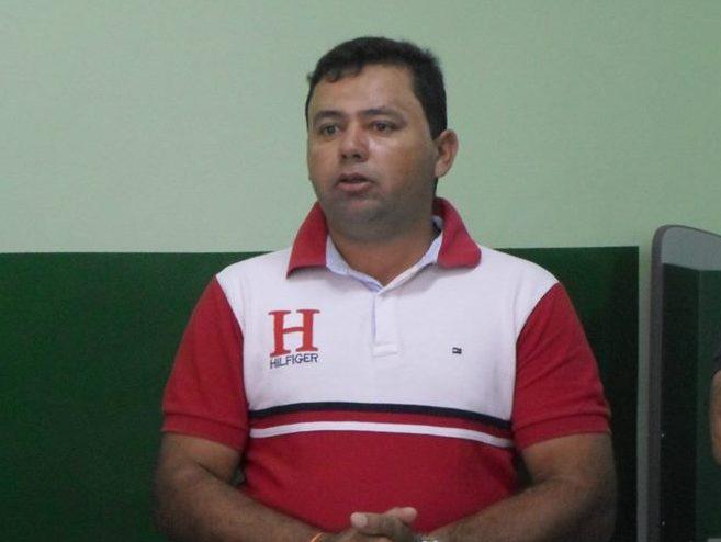 Prefeito de Amparo comprova que nunca comprou pães em farmácia e Tribunal de Contas deve concertar