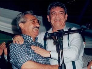 Maranhão e Ronaldo, ainda aliados, no aniversário do poeta em Campina Grande, em 1998