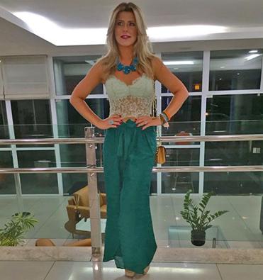 Iris Stefanelli e o seu look para ir ao Fest Verão