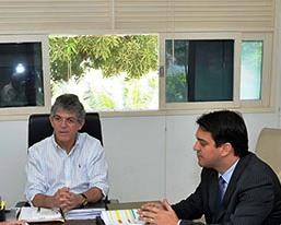 Governador Ricardo Coutinho e o secretário de Finanças, Tárcio Pessoa