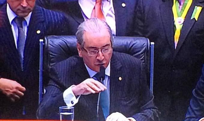Janot quer que Cunha devolva R$ 300 milhões à União