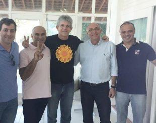 Audiberg e Ricardo durante reunião com Divaldo Dantas (Foto: Diamante Online)