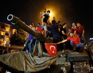 Civis atenderam pedido do presidente e se jogaram contra os tanques (imagem: G1)