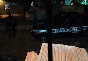 Policial trocou tiros com criminosos na Rua do Cano, no Padre Zé (imagem: reprodução WhatsApp)