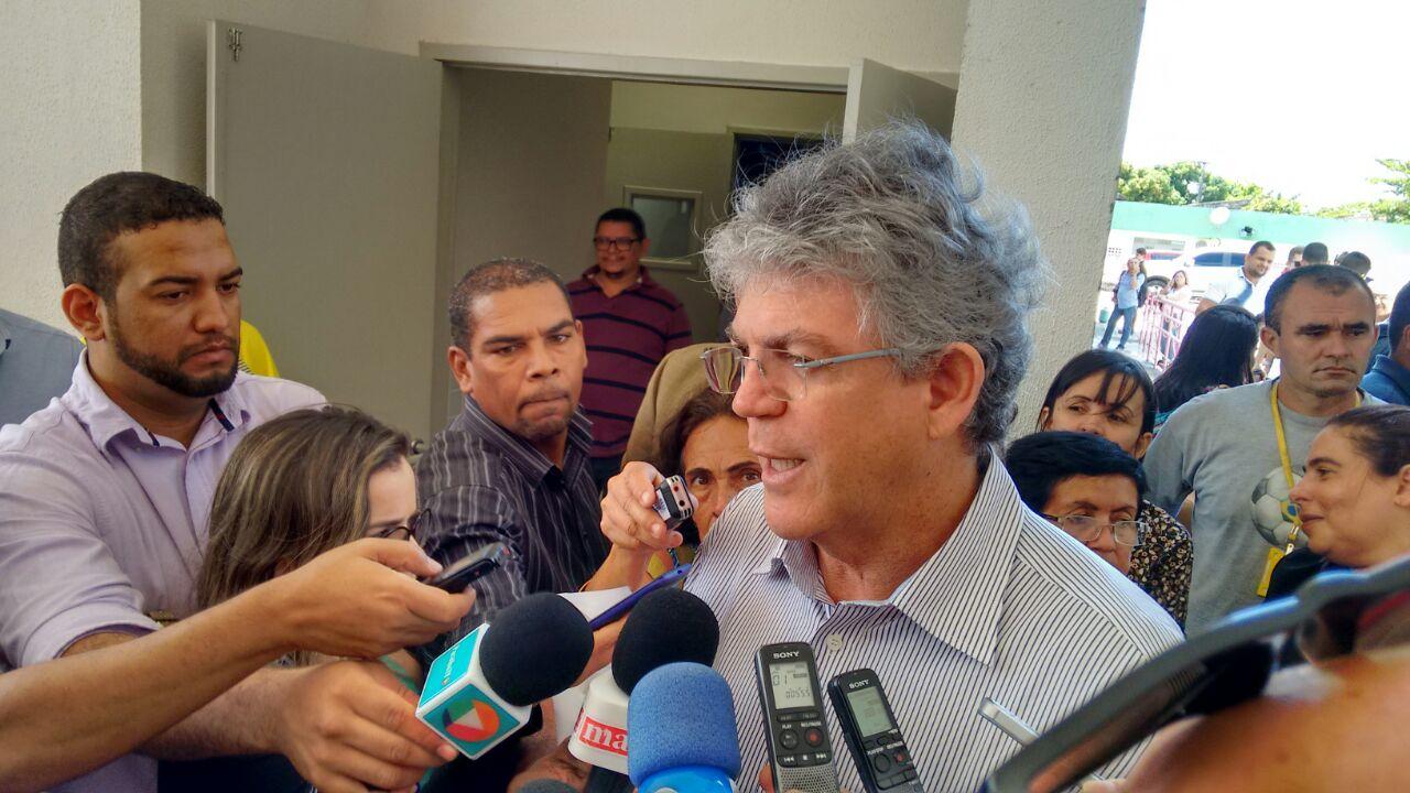 Resultado de imagem para Ricardo anuncia apoio ao setor textil