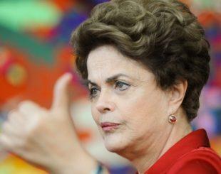 18ago2016---dilma-rousseff-da-entrevista-a-agencias-internacionais-no-palacio-da-alvorada-em-brasilia-1471553893377_615x300