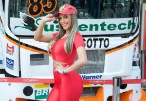 Mulher Ferrari 1