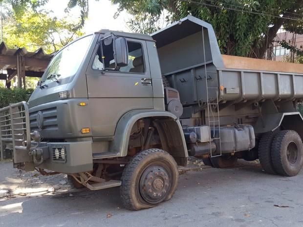 Militares são detidos transportando drogas em caminhão do Exército