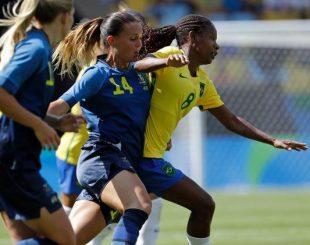 formiga-se-livra-da-marcacao-das-suecas-na-semifinal-da-rio-2016-1471365517820_v2_750x421