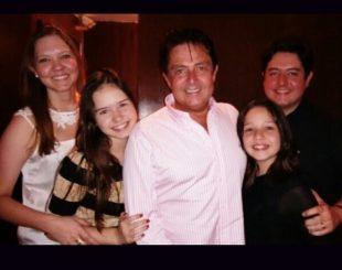 Médico Gessner Caetano acompanhado da família