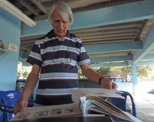 Aposentado começou a colecionar em 1988; hobby dura mais de dez anos (Foto: Amanda Campos/G1)