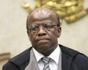 O ministro Joaquim Barbosa durante sessão do Supremo Tribunal Federal, em imagem de 2013 (Foto: Nelson Jr. / STF)