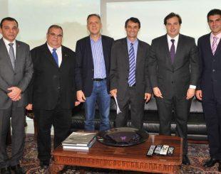 Comitiva paraibana se reuniu com o presidente em exercício, Rodrigo Maia