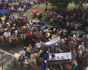 Protesto em frente da Assembleia Legislativa da Paraíba