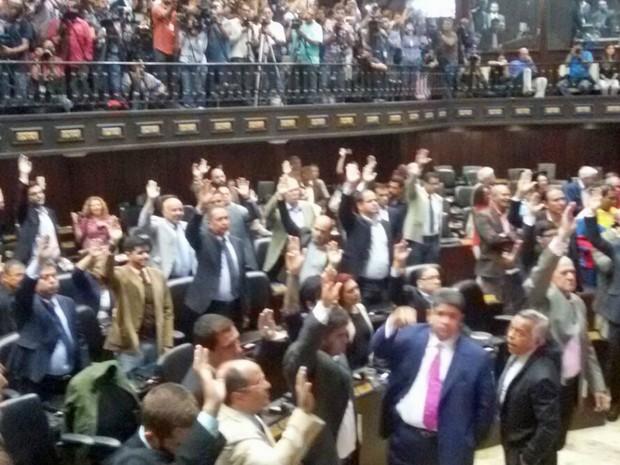 Manifestação contra a suspensão do referendo revogatório — Venezuela