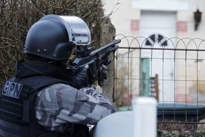 França impede atentado terrorista contra mercado de natal