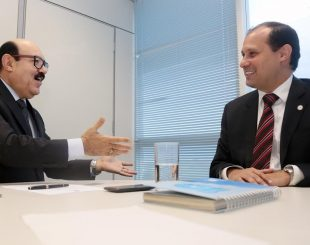 Deca durante reunião com o presidente da Anac, José Ricardo Botelho,