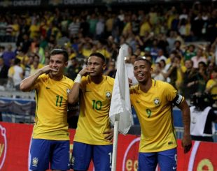 Neymar comemora seu gol Foto: Gazeta Press