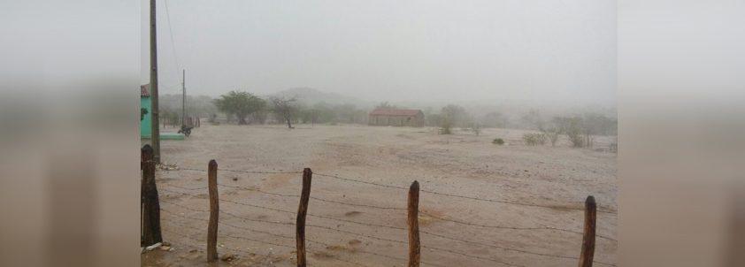 Internauta registra chuva em Coxixola