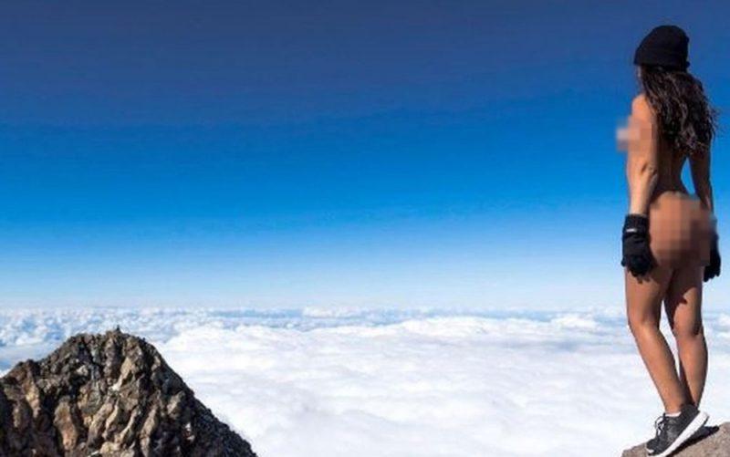 Modelo da Playboy tira foto nua em vulcão sagrado e gera polêmica