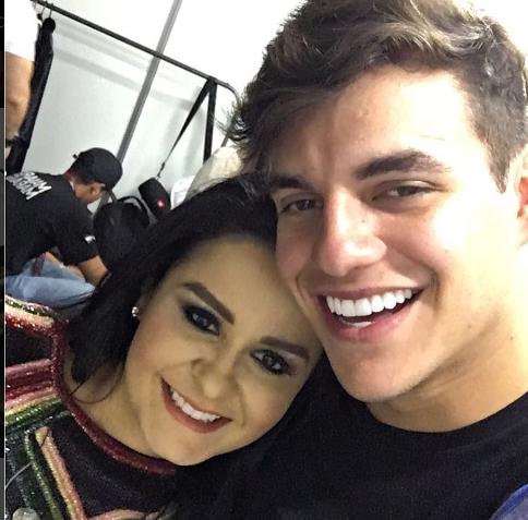 Novo casal? Ex-BBB Antônio e Maraisa, da dupla com Maiara, são flagrados em clima de romance