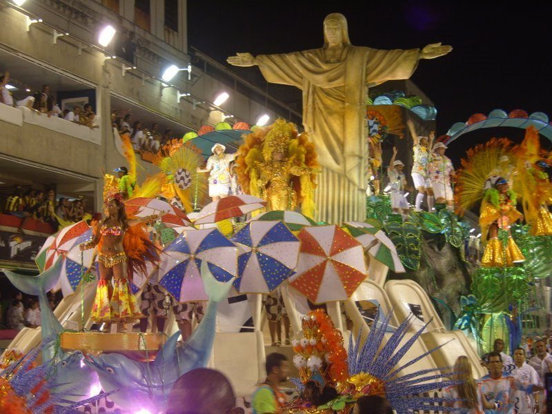 Caixa vai dar R$ 7 milhões para escolas do Grupo Especial no Carnaval 2018
