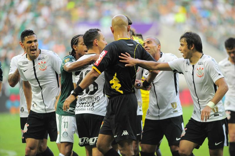 Assista: Palmeiras apresenta vídeo de suposta interferência externa na final do paulista
