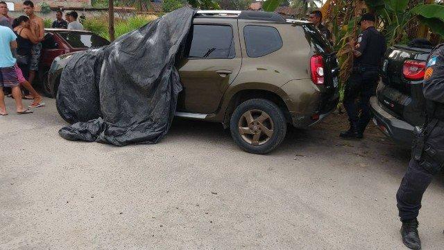 Sargento da PM é encontrado morto dentro de carro no RJ