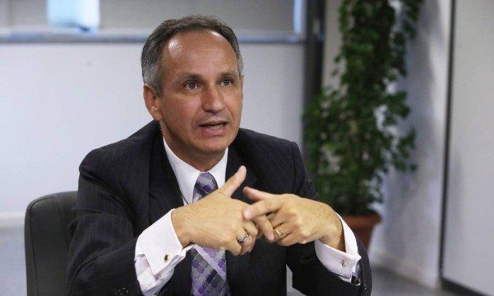 Presidente do INSS é demitido após denúncia de contrato irregular